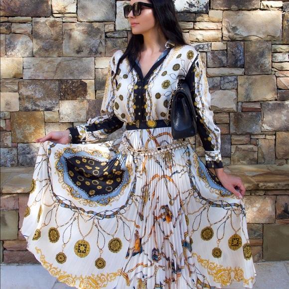 ef2ee758e Zara Skirts   Blogger Fav Chain Printed Skirt   Poshmark